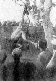 Uomo impalato dai comunisti